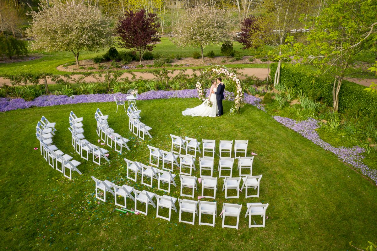Styling ideas for an outdoor wedding. - The Secret Garden
