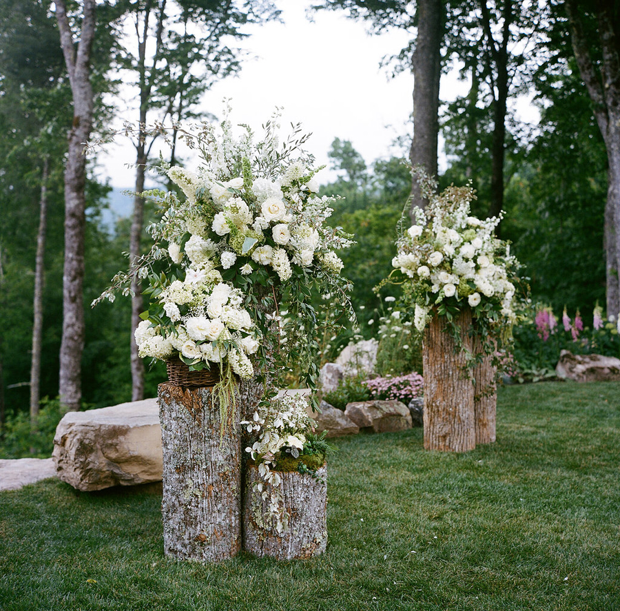 Getting creative with your outdoor wedding ceremony space. - The Secret  Garden